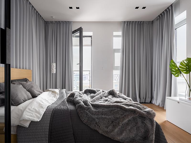 Fenêtre avec rideaux