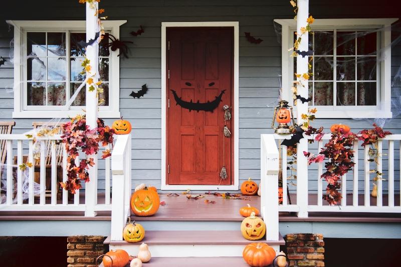 Comment décorer sa porte d'entrée pour Halloween
