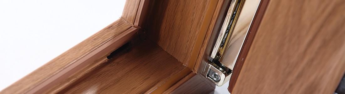 DESTINÉE AU MARCHÉ DU NEUF <p>Proposée pour le moment uniquement en dormants droits, la fenêtre PRISMATIC est réservée exclusivement au marché du neuf.</p> <p></p>